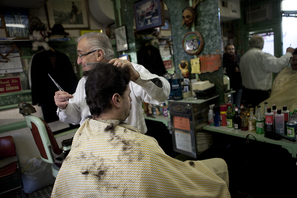Barber In Italian : ask he answers here or there in italy it