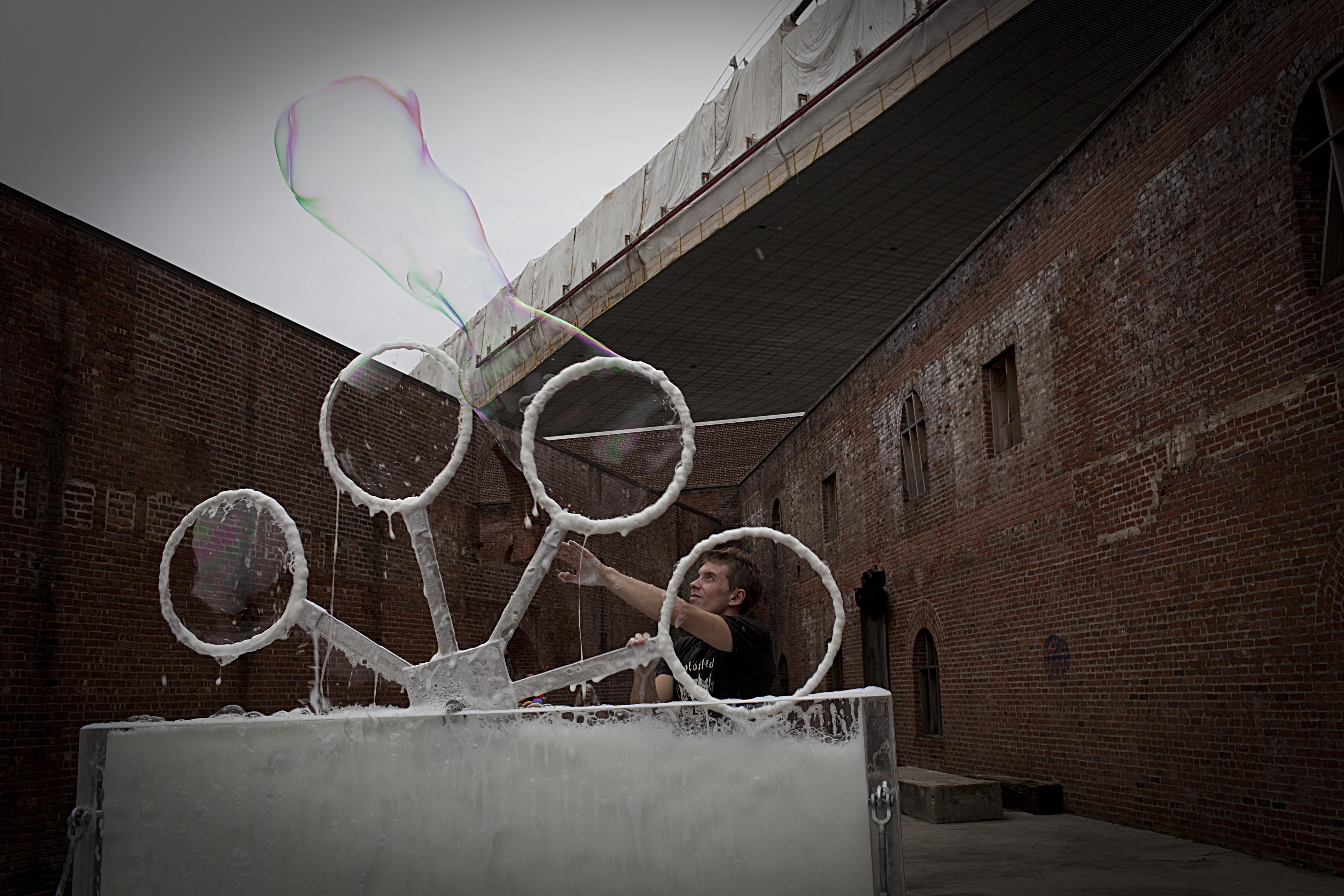 soap bubbles machine
